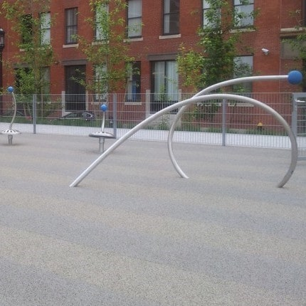 Structural outdoor fitness elements.